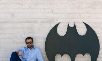 BeauxArts — Alex Israel fait planer le spectre de Batman sur Marseille